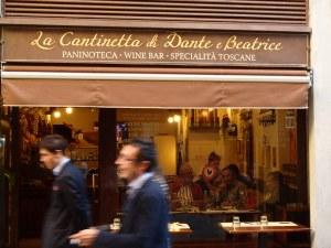 Cafeetje waarvan je zeker weet dat Dante en Beatrice er nog nooit geweest zijn.