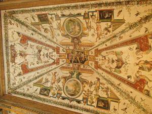 Plafondschilderingen in de stijl grotesque.