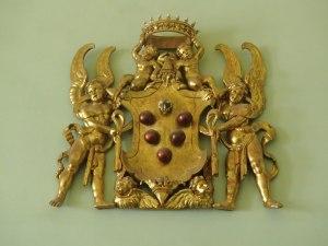 Wapenschil van De Medici, overal terug te vinden op kerken en imposante poorten, ook in Rome.