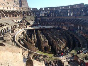Het Colosseum, verplichte kost voor Romegangers. Er zijn zo veel foto's van Rome  op het internet te vinden dat ik er maar niet aan begin. Maar deze moest even.